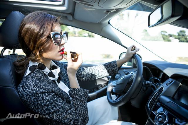 Lời khuyên hữu ích cho chị em phụ nữ khi lái ô tô