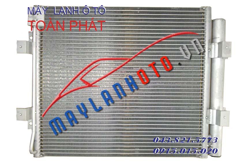 E-Mighty (dàn chính, tai bắt quạt quay ra) / Giàn nóng điều hòa Hyundai E-Mighty / Dàn nóng điều hòa Hyundai E-Mighty
